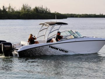 2020 Twin Vee 240 DCSE
